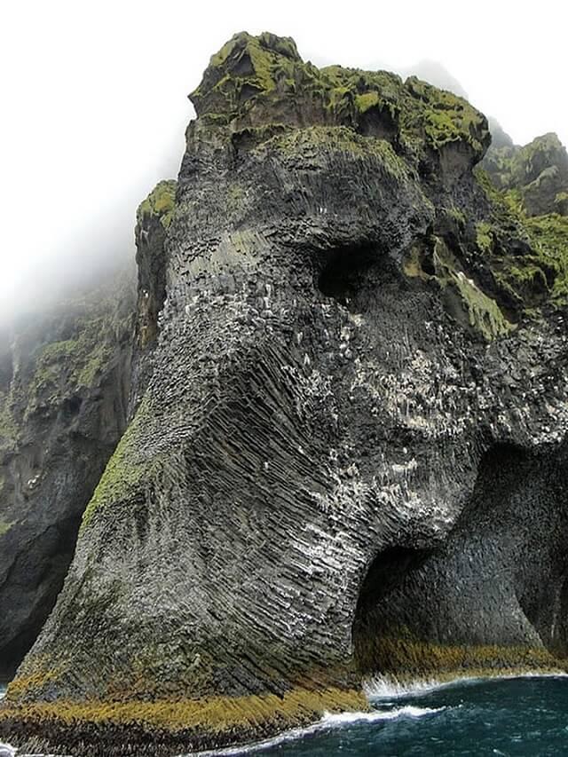 elephant-rock-heimaey-islande-1